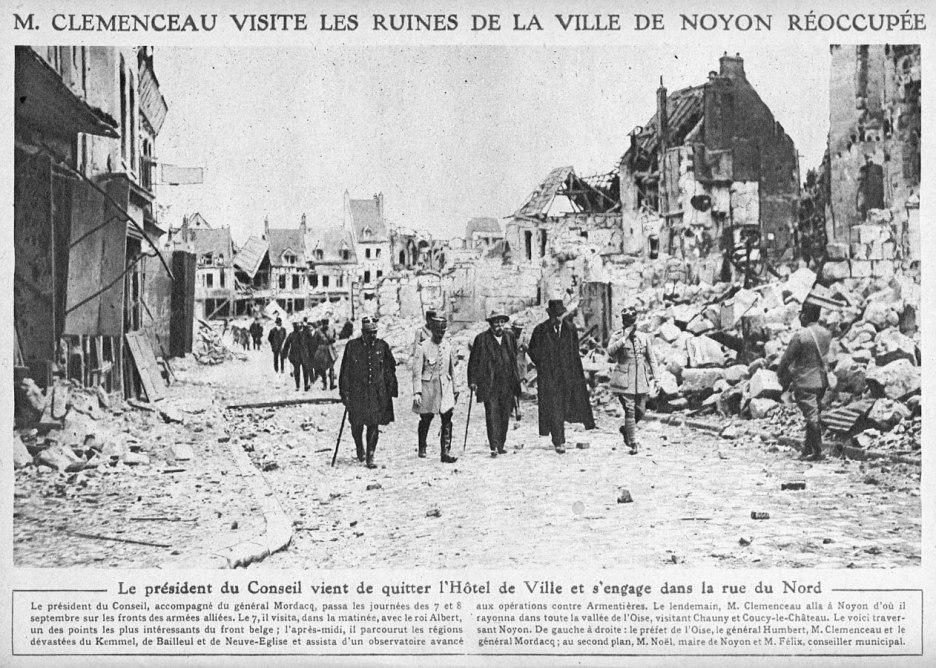 M. Clemenceau visite les ruines de la ville de Noyon réoccupée, Le Miroir, 29 septembre 1918